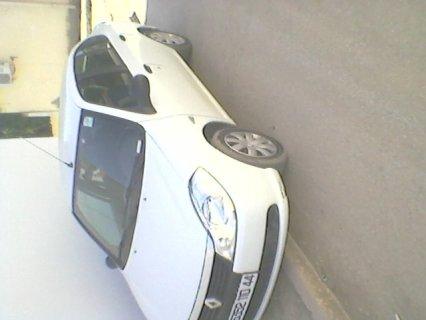 سيارت من نوع سنبل رونو