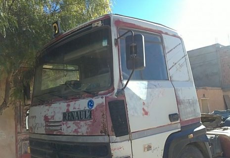 شاحنة رونو للبيع