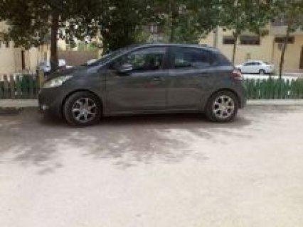للبيع سيارة رونو 208 موديل 2012 للبيع