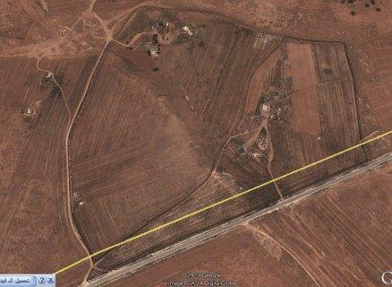 أرض  بمساحة 17 هكتار صالحة للزراعة  للبيع