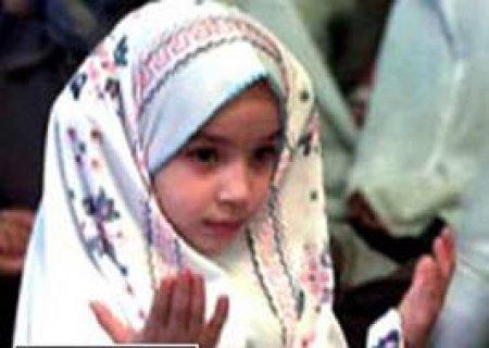 انا مغربية مقيمة بالجزائر على قدر من الجمال بحمد ربي وفضلو عليه.