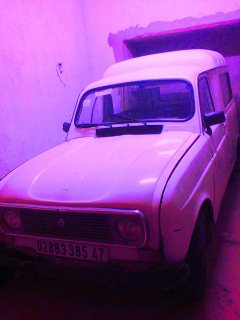 شخص يريد بيع أو إستبدال سيارة من النوع R4