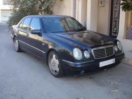 سيارة من نوع مارسيداس
