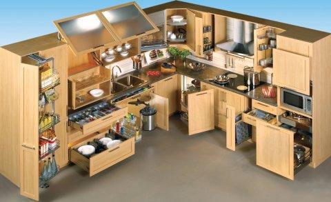 صناعة مطابخ من الألمنيوم أو من الخشب