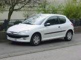 voiture Peugeot 206 blanche